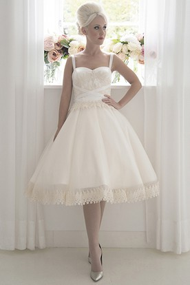 A-Line Tea-Length Sleeveless Strapped Appliqued Tulle Wedding Dress