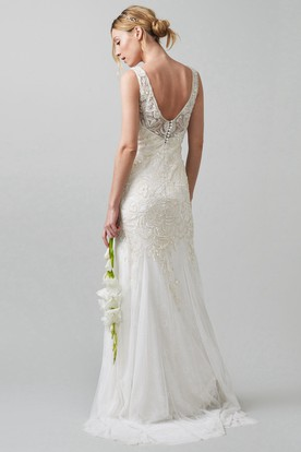 Sheath Sequined V-Neck Sleeveless Tulle Wedding Dress With Beading