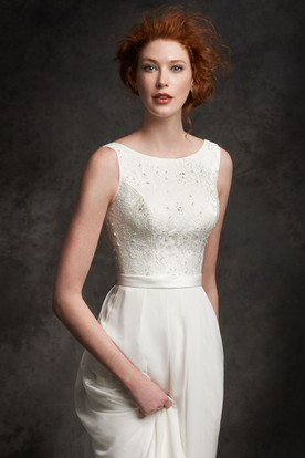 Sheath Sleeveless Scoop-Neck Chiffon Wedding Dress With Lace And Lace Up
