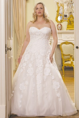 Ball Gown Floor Length Sweetheart Lace Plus Size Wedding Dress With Appliques And V Back