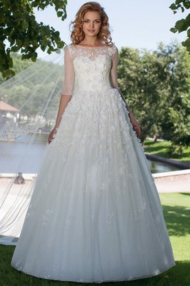 A-Line Appliqued Bateau Neck Half Sleeve Tulle Wedding Dress