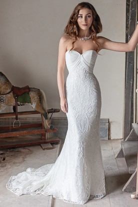Long Sweetheart Embroideried Lace&Chiffon Wedding Dress With Court Train