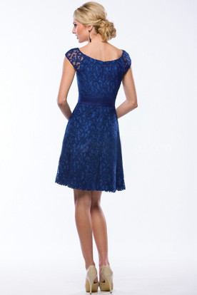 Cap-Sleeved A-Line Short Lace Bridesmaid Dress With Scoop Neck