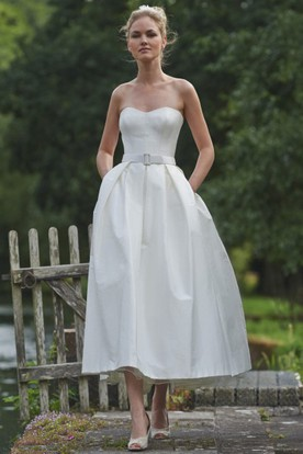 Tea-Length Sweetheart Sleeveless Taffeta Wedding Dress