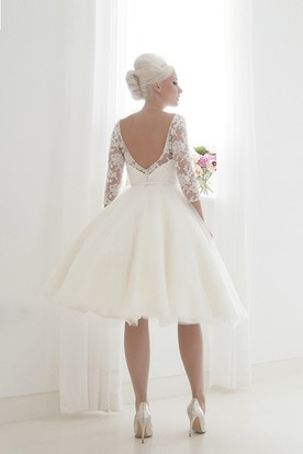 A-Line Knee-Length High Neck Appliqued Sleeveless Tulle Wedding Dress
