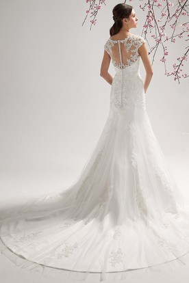 Cap-sleeved Mermaid Wedding Dress with Appliques and Keyhole Back
