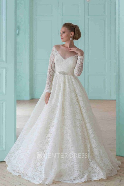 Ball Gown Long-Sleeve Scoop-Neck Lace Wedding Dress With Waist Jewellery And Illusion