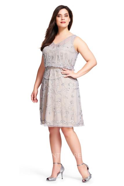 V Neck Sleeveless Knee Length Chiffon Plus Size Bridesmaid Dress