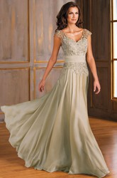 Cap-Sleeved V-Neck Long Mother Of The Bride Dress With Appliques And V-Back