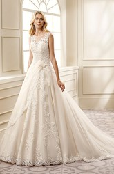 A-Line Scoop-Neck Floor-Length Appliqued Sleeveless Lace Wedding Dress With Flower And Pleats