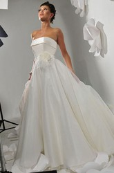 A-Line Sleeveless Floor-Length Strapless Floral Satin Wedding Dress With Court Train And Backless Style