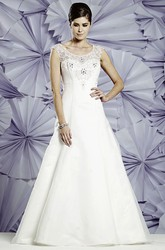 A-Line Lace Long Sleeveless Scoop-Neck Tulle&Satin Wedding Dress With Beading