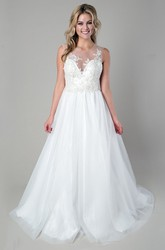 A-Line Sleeveless Long Scoop-Neck Appliqued Satin&Tulle Wedding Dress