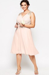 Sleeveless Knee-Length Beaded V-Neck Chiffon Bridesmaid Dress With Ruching And Zipper