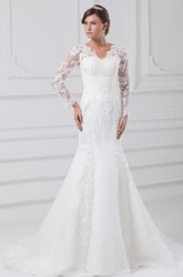Modest Scalloped-Neck Long-Sleeve Mermaid Wedding dress with Appliques