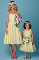 A-Line Tea-Length Strapless Pleated Tulle Bridesmaid Dress