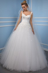 Ball-Gown V-Neck Appliqued Floor-Length Sleeveless Tulle Wedding Dress With Low-V Back