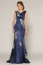 Trumpet Appliqued Sleeveless V-Neck Long Satin Prom Dress