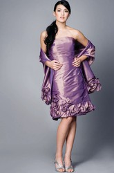 Knee-Length Strapless Ruched Chiffon Bridesmaid Dress With Flower And Cape