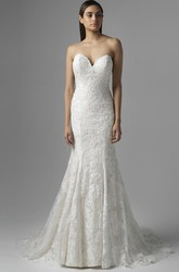 Mermaid Sleeveless Floor-Length Sweetheart Appliqued Lace Wedding Dress With Pleats And Backless Style