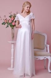 Empire Waist V-neck Short-sleeved Tulle Maternity Wedding Dress