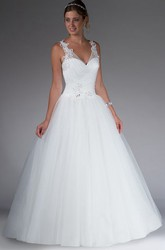 V Neck Tulle Bridal Ball Gown With Applique And Beading Straps