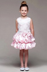Knee-Length Tiered Bowed Lace&Satin Flower Girl Dress With Sash