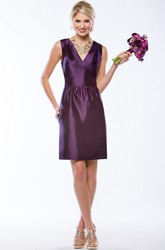 Sleeveless V-Neck Short Taffeta Bridesmaid Dress With V-Back And Pockets