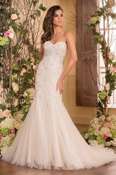 Sweetheart Mermaid Gown With Bow Tie And Appliques