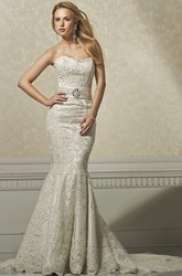 Trumpet Appliqued Long Sleeveless Sweetheart Lace Wedding Dress With Waist Jewellery