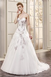 A-Line Long Sweetheart Tulle Wedding Dress With Appliques And Draping