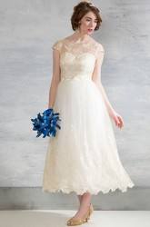 Tea-Length Bateau Neck Cap Sleeve Appliqued Tulle Wedding Dress