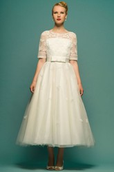 A-Line Tea-Length Scoop Neck Half Sleeve Appliqued Tulle Wedding Dress