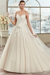 Sweetheart A-line Wedding Gown with Spaghetti Straps and Flowers