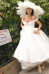 Ball Gown Appliqued Off-The-Shoulder Tulle Wedding Dress