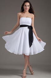 Strapless Knee Length Chiffon Bridesmaid Dress With Bow And Sash