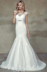 Trumpet Cap-Sleeve Maxi Scoop-Neck Jeweled Lace Wedding Dress With Appliques And Illusion