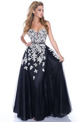 A-Line Sweetheart Sleeveless Tulle Prom Dress With Jeweled Appliques And Waistband