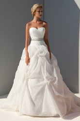 Ball Gown Criss-Cross Floor-Length Sleeveless Sweetheart Organza Wedding Dress With Pick Up And Waist Jewellery