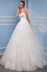 Maxi Sweetheart Appliqued Tulle Wedding Dress With Sweep Train And Corset Back