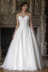 Ball Gown Floor-Length Sweetheart Lace&Organza Wedding Dress With Appliques And V Back