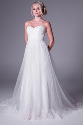 A-Line Floor-Length Sweetheart Tulle Wedding Dress With Appliques And V Back