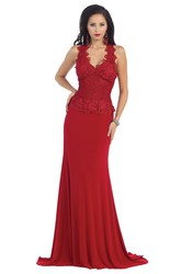 Sheath V-Neck Sleeveless Jersey Dress With Appliques And Lace