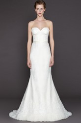Sheath Sweetheart Maxi Lace Wedding Dress With Appliques And V Back