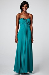 Sheath Floor-Length Sleeveless Strapless Ruched Chiffon Prom Dress With Flower