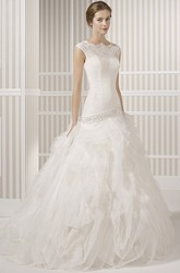 A-Line Scoop-Neck Sleeveless Tulle Wedding Dress With Ruffles And Beading