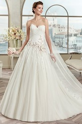 Sweetheart A-Line Bridal Gown With Floral Appliques And Zipper Back
