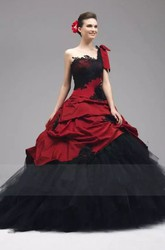 Sleeveless Ball Gown One-shoulder Taffeta Tulle Floor-length Wedding Dress with Appliques and Ruffles