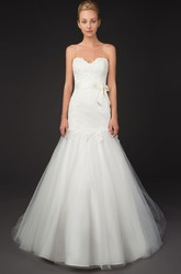 A-Line Sweetheart Appliqued Floor-Length Lace&Tulle Wedding Dress With Bow And V Back