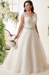 A-Line Sleeveless Jeweled V-Neck Lace Plus Size Wedding Dress With Keyhole